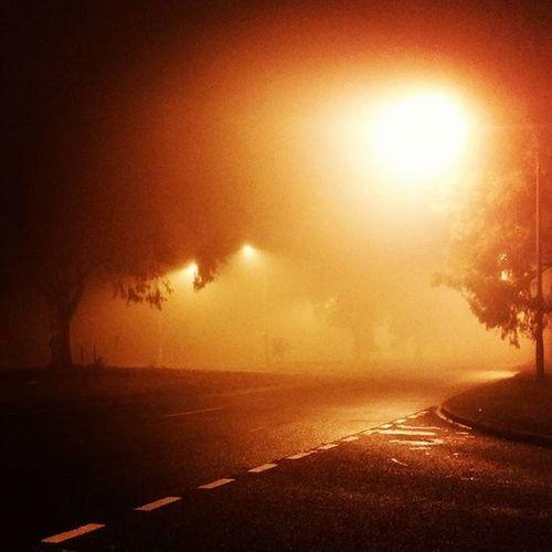 Ini kabus..betul2 kabus.. Foggy Kabus Winterincanberra Winter Canberraatnight Canberra