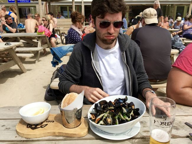 Casual Clothing Day Eating Food Food And Drink Industry Freshness Friendship Leisure Activity Lifestyles Meal Moules Moules Et Frites Moules☺️ Mussels Ready-to-eat Refreshment Restaurant Seafood Seafoodporn Sitting