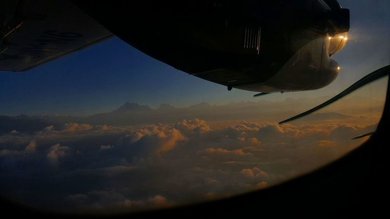 Lukla-Flight ✈ über Den Wolken Cloud - Sky Clouds & Sky Flugzeug Nepal Propeller Airplane Propeller Himalaya Lukla Airport Lukla Airplane Flying Air Vehicle Aerial View Mid-air Sky
