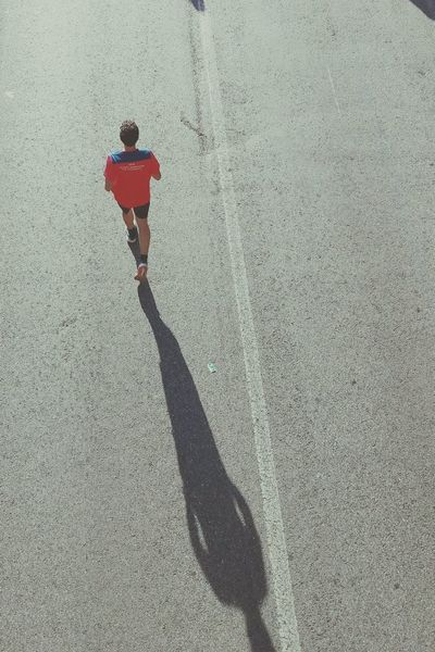 Shadow Sunlight Leisure Activity Human Body Part Marathonrunner Runner Running Winner Race Running Free Trying Competition Shadows & Lights Road Victory Victory Road Lifestyles Outdoors Enjoy The New Normal Embrace Urban Life Finding New Frontiers Adapted To The City Miles Away The City Light Let's Go. Together. Paint The Town Yellow Summer Road Tripping