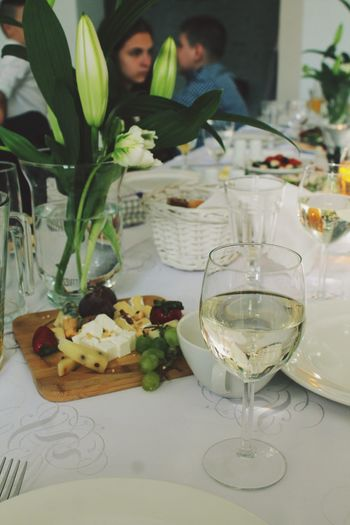 Breakfast Close-up Day Drink Drinking Glass Flower Food Food And Drink Freshness Healthy Eating Indoors  Meal Men People Plate Ready-to-eat Real People Restaurant Sitting Table Two People Wine Wineglass Women