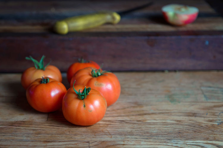 Fresh Tomatoes form the Garden Red Close-up Day Food Food And Drink Fresh Tomatoes Freshness Fruit Healthy Eating Indoors  Nature No People Table Tomatoes Vegetable Wood - Material
