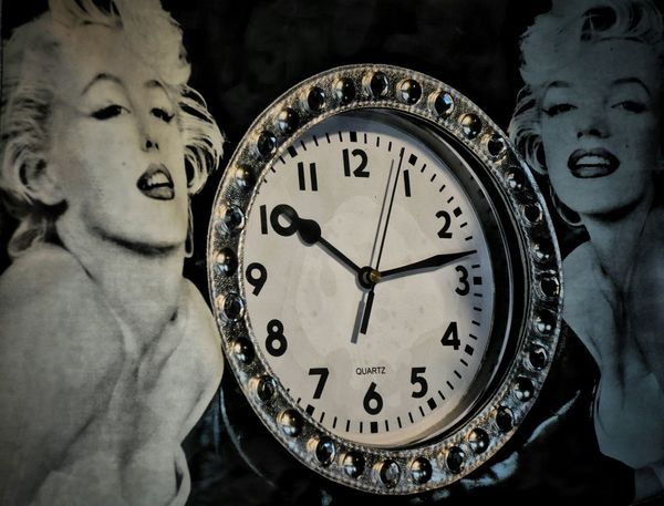 Time out for M. Clock Watch The Clock Store Decor Time What Time Is It? Eternity Marilyn Monroe Mortality Mortal Star