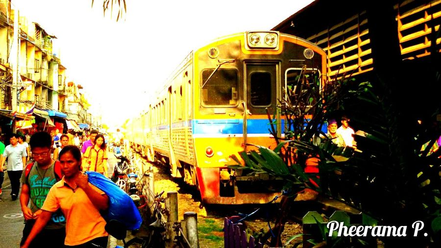 Train@ Wongwian Yai railway station, Photo Of The Day.r