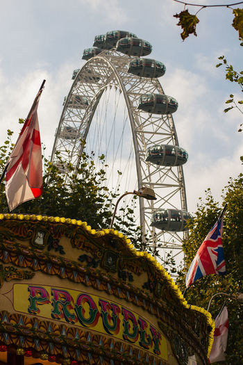 London London Eye View Wheel Day Fair Flag Outside