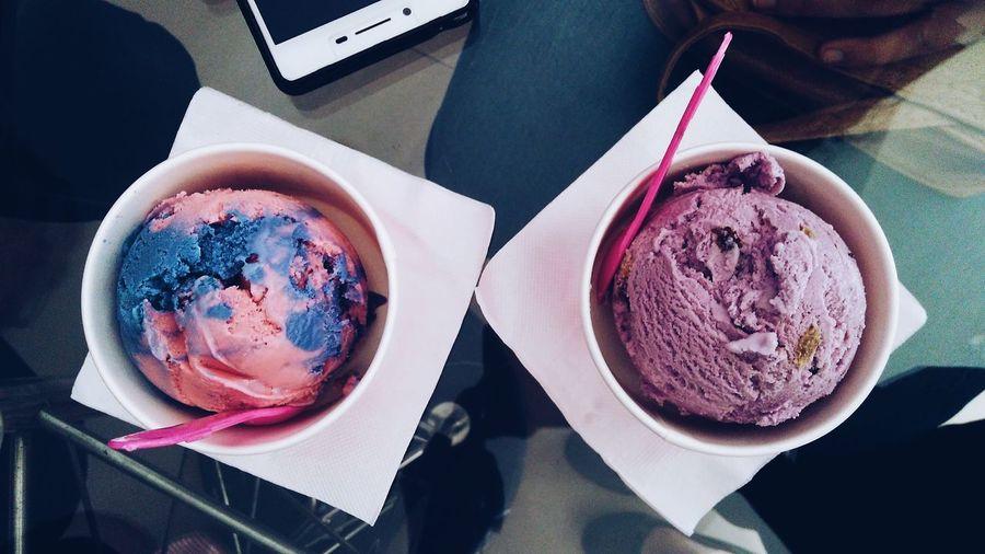 Food Foodstories Dessert Table Freshness Day Food Indoors  Ready-to-eat Sweet Food Icecream🍦 Ice Cream Icecreamscoops Icecreamlover Baskinrobins Food Stories