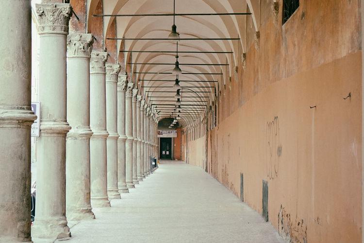 Architecture Bologna, Italy Emiliaromagna Ghirri Oriented Italia No People Streetphotography Via Santo Stefano