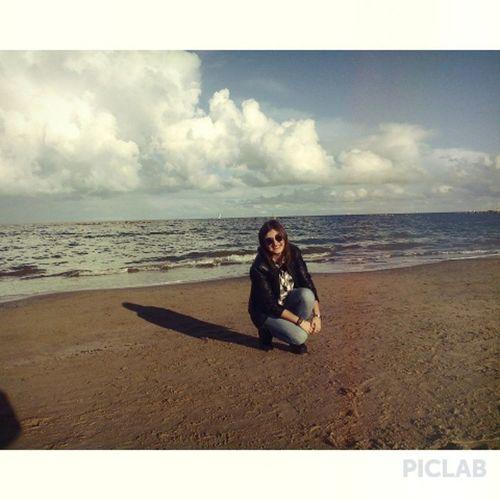 Quella linea sottile che separa il mare dal cielo. Remember Pescara Pace Amore Gioia Infinita Dalcoma Proveròariemergere Sole Mare Vento Like4like Followforfollow Followme