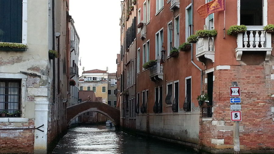Улочками Венеции. Италия венеция канал вода💧 улица дом Gondola - Traditional Boat Cityscape Old Town Canal Cultures Architecture Building Exterior Sky