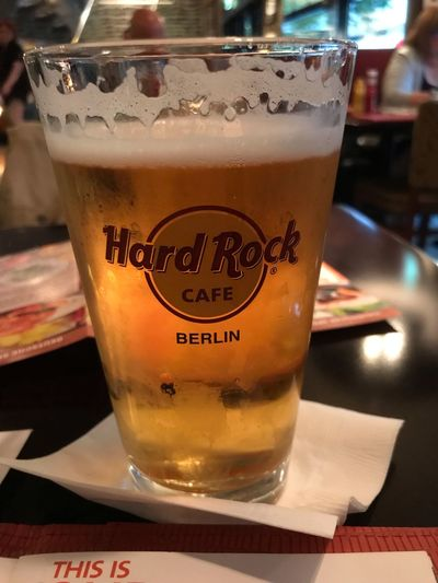Hard Rock Cafe Berlin Hard Rock Cafe Food And Drink Drink Indoors  Refreshment Table Close-up Still Life Drinking Glass Alcohol Freshness Beer - Alcohol Beer Glass Household Equipment No People Beer Glass Glass - Material Text Frothy Drink Food