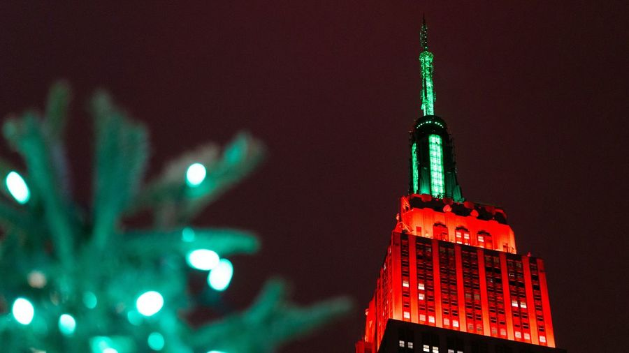 Holiday Building. NYC Street Photography Looking Up Night Photography Seeing The Sights Empire State Building Red And Green Christmas Holiday Sony A6000 Project365