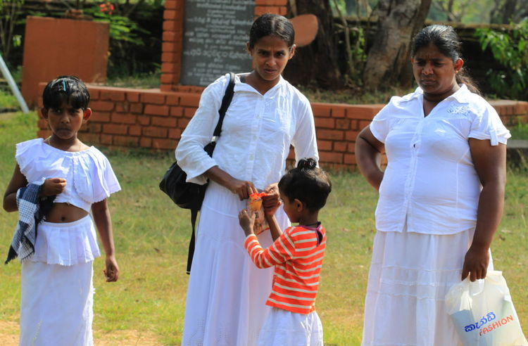 Anuradhapura Lifestyles Little Girls Looking At Camera Pilgrims Sri Lanka Temple Togetherness White Clothes Women