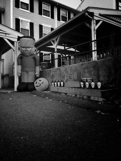 ✨🎃💀👻💀🎃✨ Happy Halloween‼️ Childhood Architecture Outdoors Halloween Tadaa Community Frankenstein Blackandwhite Inflatable  Autumn Black And White Friday