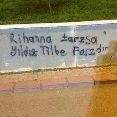:)))) Rihanna Tarzsa Yildiz Tilbe farzdir 💪😆