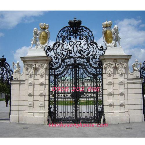 Mang lại cho không gian kiến trúc ngôi nhà của bạn vẻ đẹp đơn giản nhưng luôn sang trọng, tinh tế và thời thượng là chức năng của cổng nhôm đúc Vương Miện Quyền Lực. http://thinhvuonghouse.com/san-pham/cong-nhom-duc-vuong-mien-quyen-luc Cong Nhom Duc