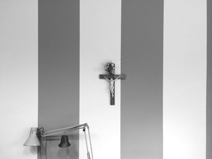 Black And White Cross Lamp Inquadrature Asimmetriche