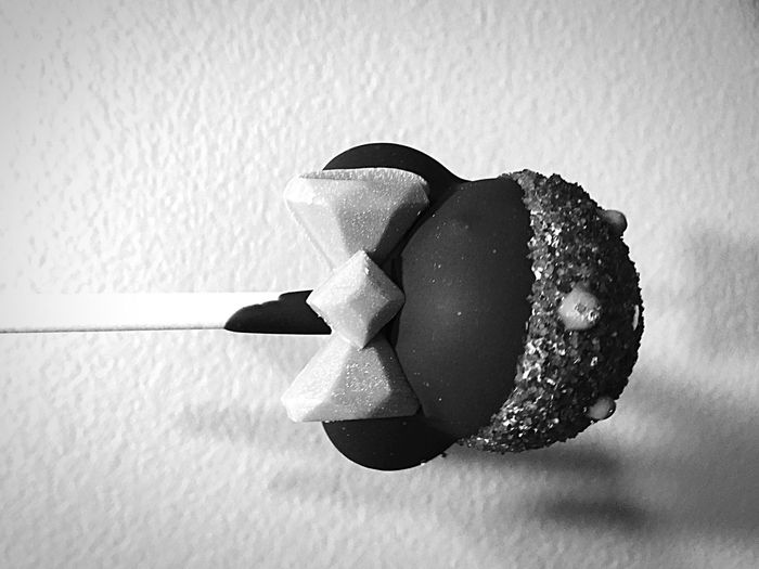 Cake pop. Minnie Mouse Dessert Food Blackandwhite Cake