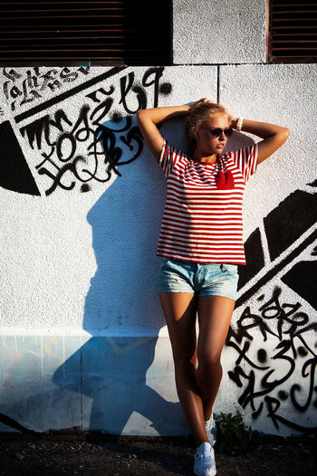 Photoshoot Streetphotography Casual Look Casualstyle Casual Casualwear Street Graphity Sunset Girl