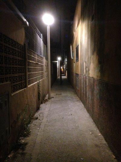 Backstreets & Alleyways Building Exterior Lonely Night Outdoors Son Oliva Streetlight Terror