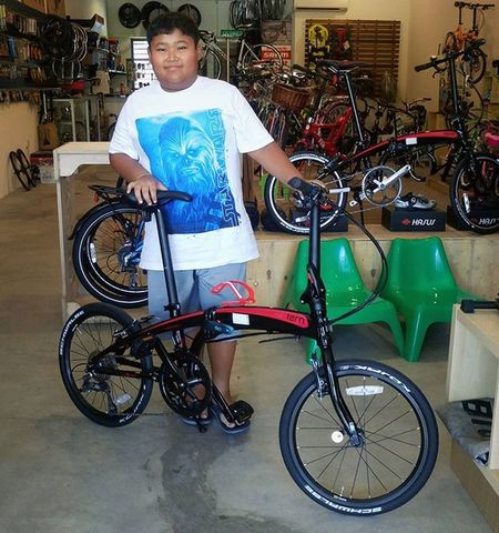 Thanks for coming! He is so happy with his new Red Black Tern Verge N8 folding bike ... @tern_Malaysia Kids New Ternbike Foldingbike Happy Lucky Cycling Keepfit Ternbicycles Gwcycle
