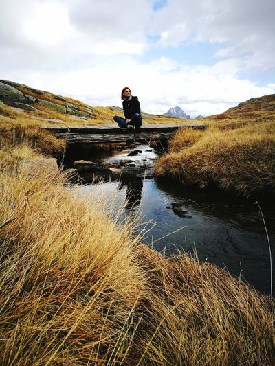 Amazingautumn One Person Myself Littlebridge Stream - Flowing Water Cloud - Sky Outdoors FreeTime Autumn Colours Mountain Range Grasses Relaxing Noproblems Home Sweet Home ♥ Southtyrol  Lost In The Landscape JustAPhoto HuaweiP9Photography Notprofessional