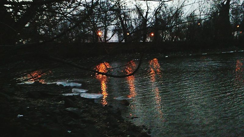 After Dark Sundowner Lights Shadows & Lights Water River Riverside Night Laying Withfriends Memories Beautiful Duna Budapest, Hungary No People Close-up Scary Places....  Feel The Moment Feel Free Outdoors Young And Free Danger Zone Walking In The Rain