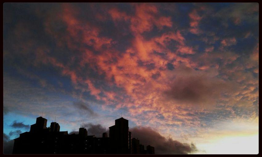 붉게 타오르는 노을을 보다. Sky_collection EyeEm Best Shots Sunset Sky