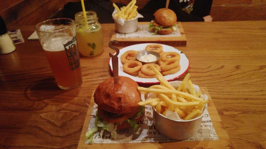 Burger time Burger Hamburger Food Foodporn Onionrings