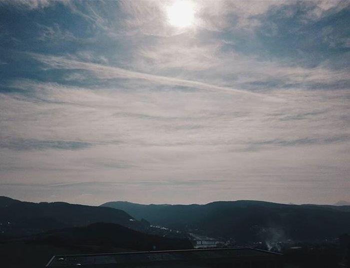 Sky Sun Beautiful Cloud Amazing View Photo Photooftheday Instasun Instasky Instaview Insta Instalike Instagood Instadaily Instamood InstaVsco Photography Phone Huawei P8 P8lite VSCO Vscocam Vscotrees vscogood vscophile vscoczenature vscocze vscoczech
