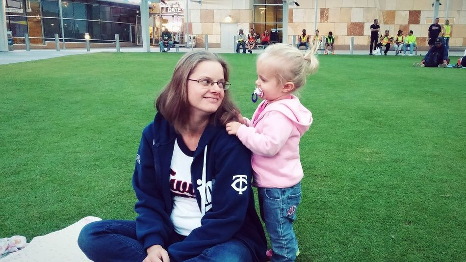 Kids Cutekids Parenthood Minneapolis Love City Life Summer RePicture Motherhood Here is my sister and her adorable daughter at the Twins baseball stadium. :)