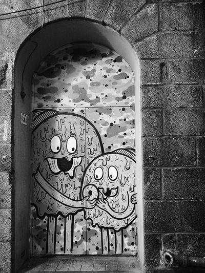 Street Art/Graffiti Street Art Street Art On The Walls Mural Mural Painting Mural Art Black & White Black And White Blackandwhite Murales Art Muralesart Murales Gateway Cartoon Style Cartoon