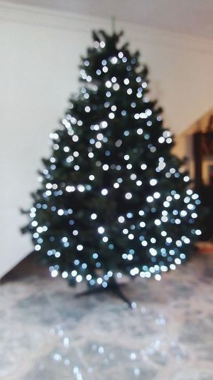 Navidad Christmas Christmas Decoration Indoors  Celebration Christmas Ornament Tradition Christmas Lights No People Defocused Day Christmas Tree Close-up Home Interior Home Home Sweet Home First Eyeem Photo