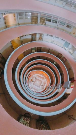 香港 Spiral Staircase Pattern Steps And Staircases Spiral Staircase Architecture Indoors