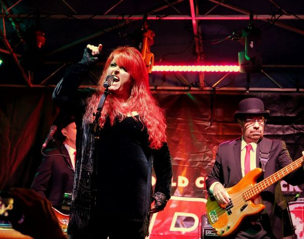 Wynonna Judd sings with passion! Check This Out Concert Photography Concert Wynonna Judd Red Hair Performance Performer  Singer And Artist Band Photography Stage Photography Singer  Country Music Blues Music Live Music Music Lovers Enjoying Life Lx100 Style Performance Show