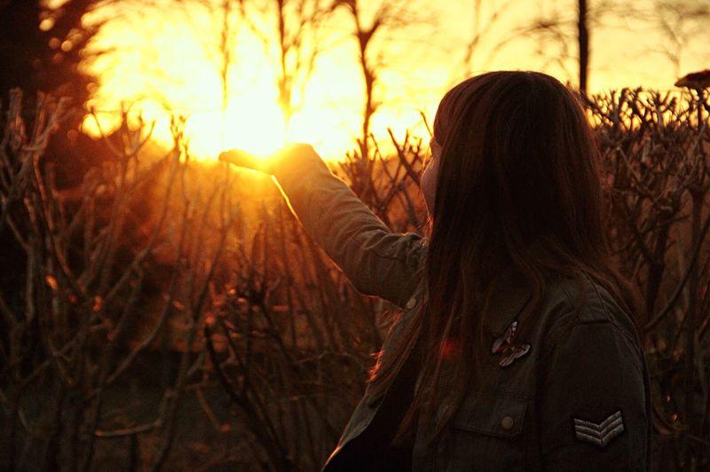 Main Soleil Lumière Attrape Espoir Pensées