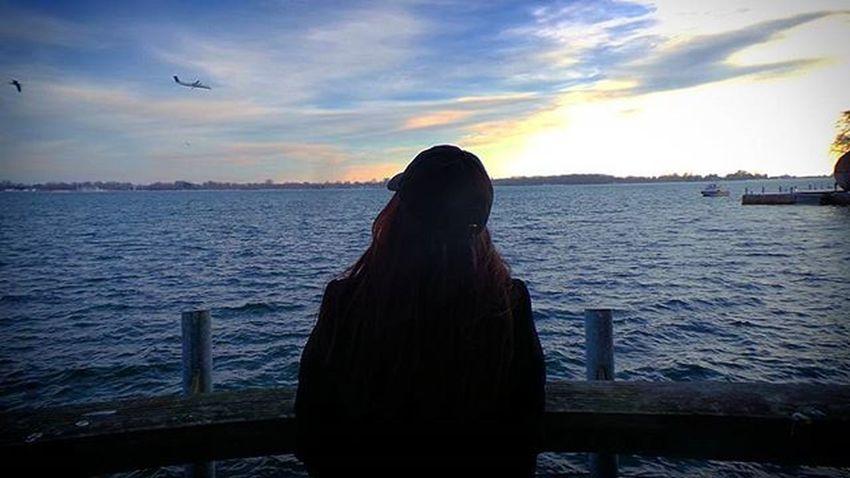 T H i N K . D R E A M . Having fun with the edits . 😁 Instagram Instaedit InstaEdits Instagramedit Edit Lakeshore Toronto The6ix Thesix Tdot  Six 6 6ix Lakeontario  Lake Ontario Canada Ontario . Photographyislife Photographyislifee Photooftheday Photoofthenight