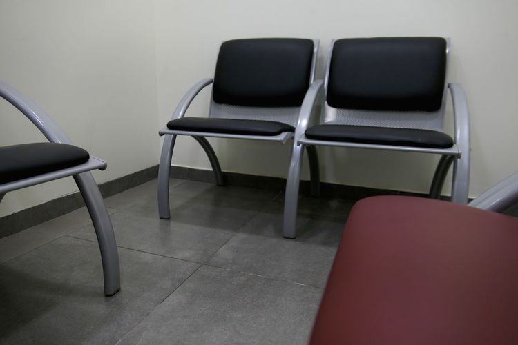 Boring Seat Chair Indoors  Absence Empty No People Furniture Still Life Arrangement Wall - Building Feature Waiting Room
