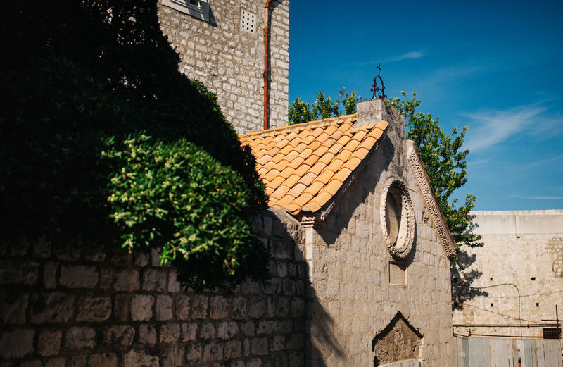 Old town Architecture Building Exterior Built Structure Croatia Day Dubrovnik Dubrovnik, Croatia EyeEm Best Shots EyeEm Gallery Gameofthrones Low Angle View No People Old Buildings Old Town Roof Shadow Sigmaphoto Sky Summertime Sunlight TeamCanon Tree