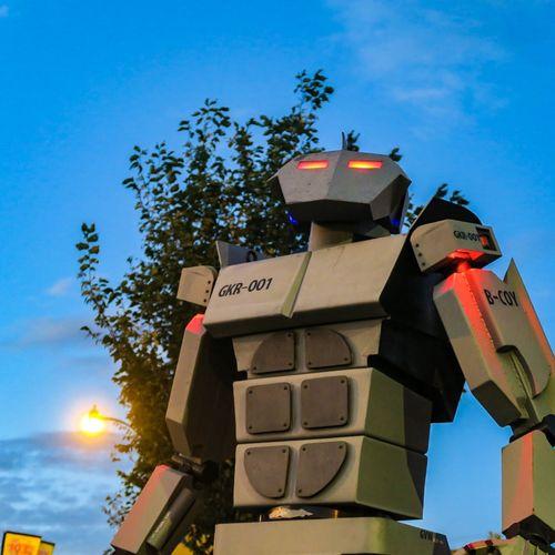 Robot Blue Sky Outdoors YYC Beakerhead