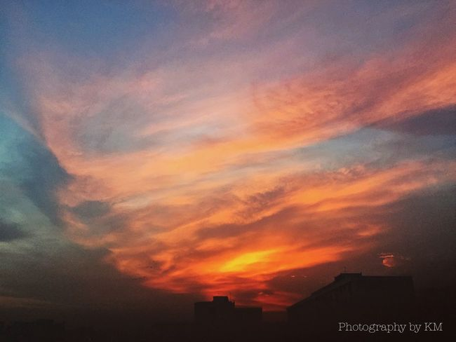 LOVE the fiery clouds!! Cloudporn Sky Castle EyeEm Nature Lover Sun_collection, Sky_collection, Cloudporn, Skyporn Sky And Clouds Nature Sunrise_sunsets_aroundworld EyeEm Best Shots - Sunsets + Sunrise Sunset #sun #clouds #skylovers #sky #nature #beautifulinnature #naturalbeauty #photography #landscape Sunset