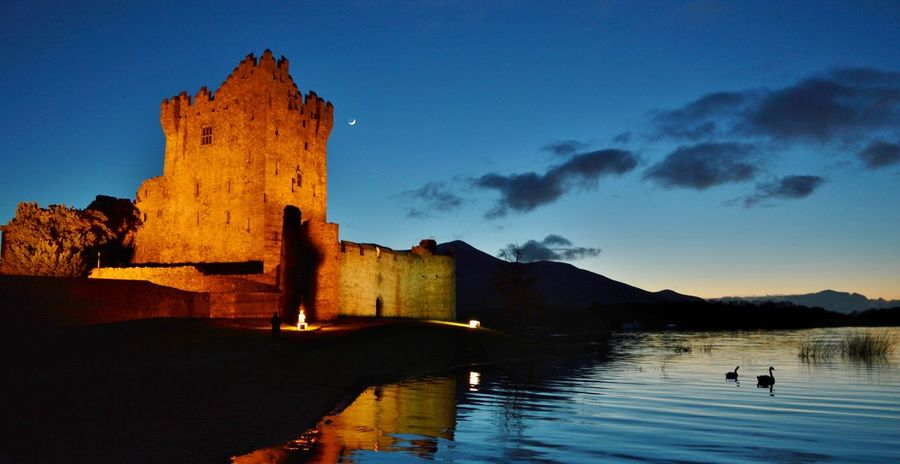 #Ireland #Killarney #moon #RossCastle #Swans Architecture Castle History Old Ruin