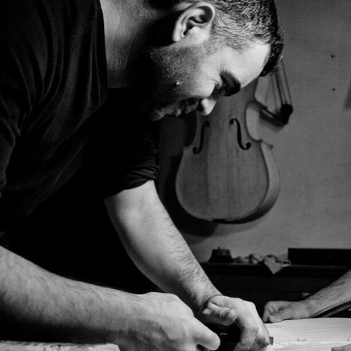 Luthieristanbul Luthier At ölyeIstanbul ViolinMaker CelloMaker
