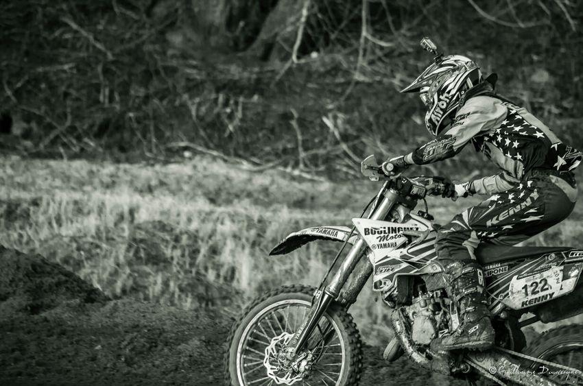 Fonce...... Motocross Nikon Noir&blanc