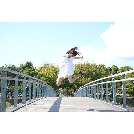 * 今更ですが、9/11はもゆた (@moyuta11)の誕生日でしたฅ•ﻌ•ฅ♪ いつも素敵なジャンプをしてくれるもゆた ちっこいけど凄くしっかりしているもゆた この子のおかげで、私は カメラと出逢うことができました(๑˘ ˘๑)*.。 生まれてきてくれて、ありがとう! ポートレート ジャンプ 浮遊 誕生日 長崎 橋 bridge jump birthday nagasaki