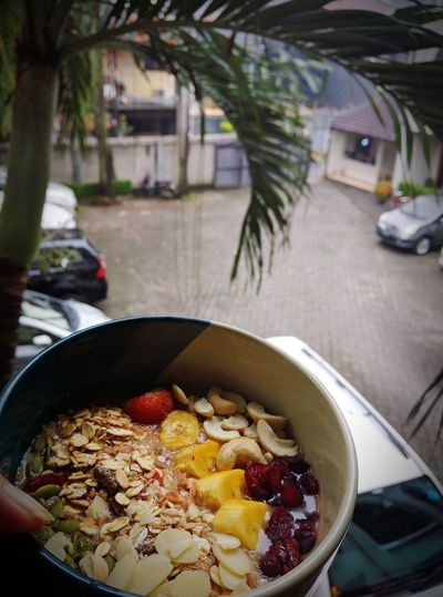 My bowl of smoothies on a rainy day Food Outdoors Smoothies Bowl Bowl Of Smoothies Greensmoothie Smoothiebowl HealtyFood HealtyLifestyle Love