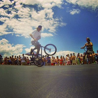 This man needs to come back to SA again. @vikigomezbmx what a free styling legend! Vikigomezbmx RedBull Redbullza GivesYouWings