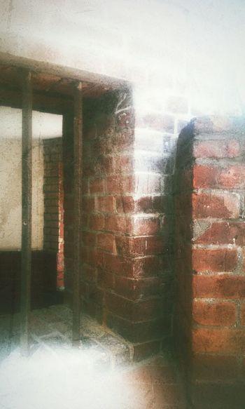 Brickporn Redwhite Iron Bars