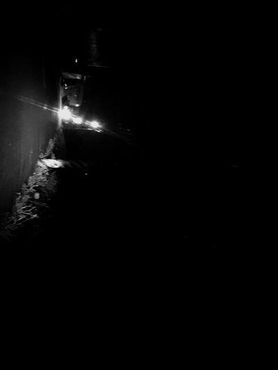 下班看見天黑 實在太不習慣 好忙碌的整天東奔西跑