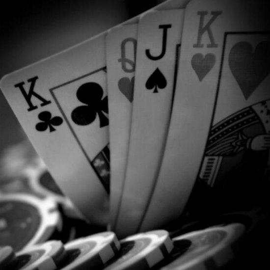 Cartes Jeuxdecarte Jeux Poker bw bws_worldwide bws_artist_eu bw_france bws_master noiretblanc neb picsoftheday photonoiretblanc photographyoftheday photographiedujour picsoftheday
