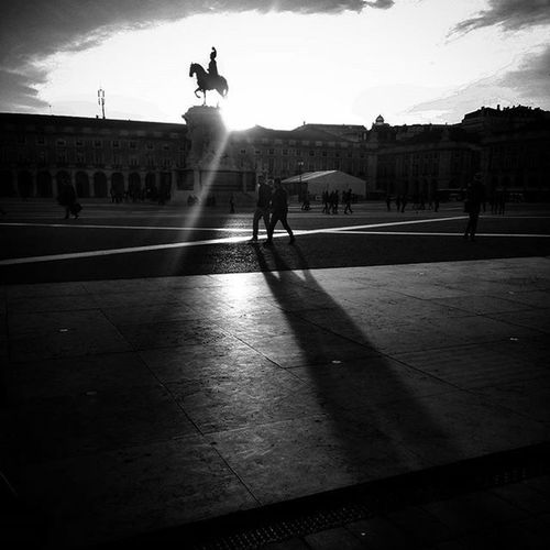 Sunnydays Landscape Cityscapes Shadows Threelegs Walkinginthesun Lisbonlovers Lisbon Portugal Openexposure Bnw Bnginksociety Bnw_captures Igers_portugal Igers Faded_world P3top Blackandwhite Blackandwhitephotography Blancnoir Statue Sky Laliphotography Liveitup Clouds terreirodopaço vscoportugal vscocam bnw_planet